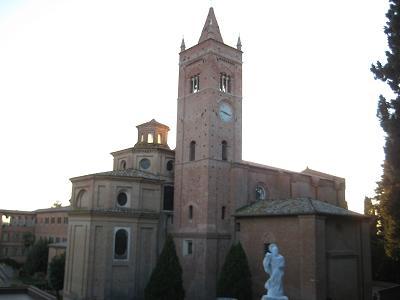 シエナ郊外の小さな街 ~abb. Monte Oliveto Maggiore~